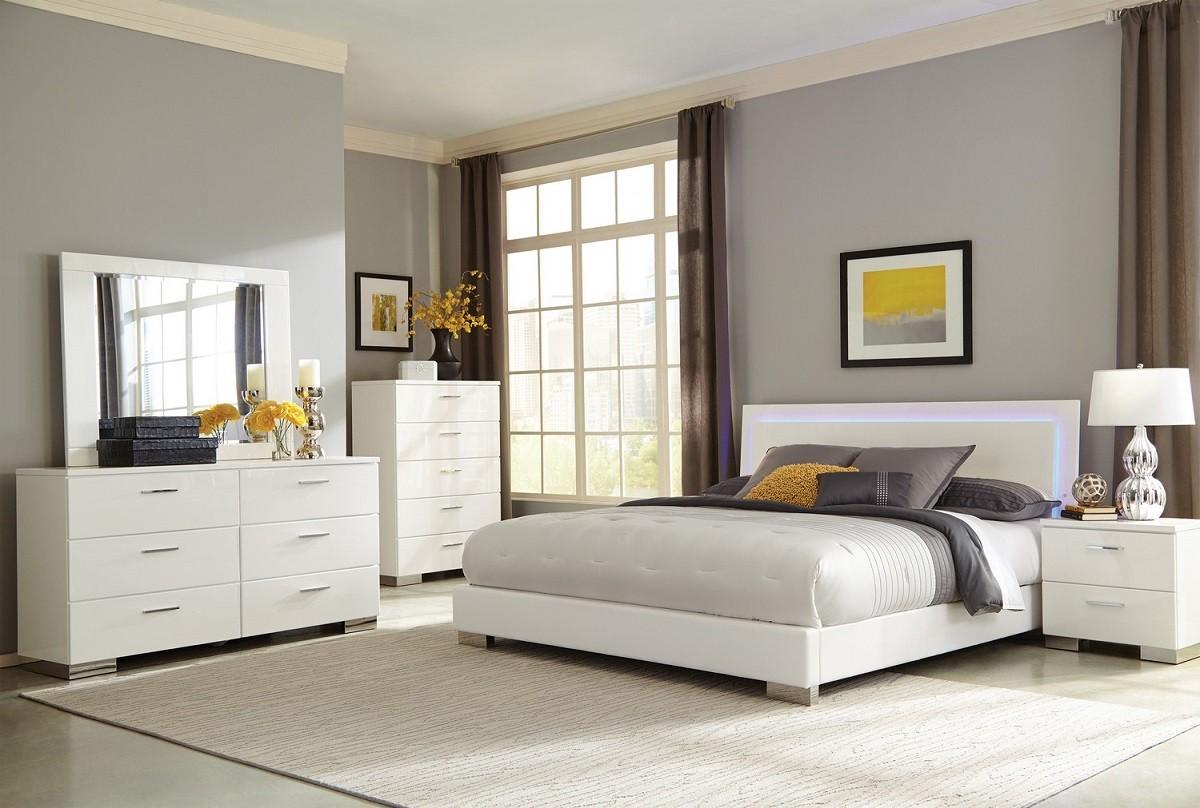 Felicity Iluminate 4-Piece Bedroom Set