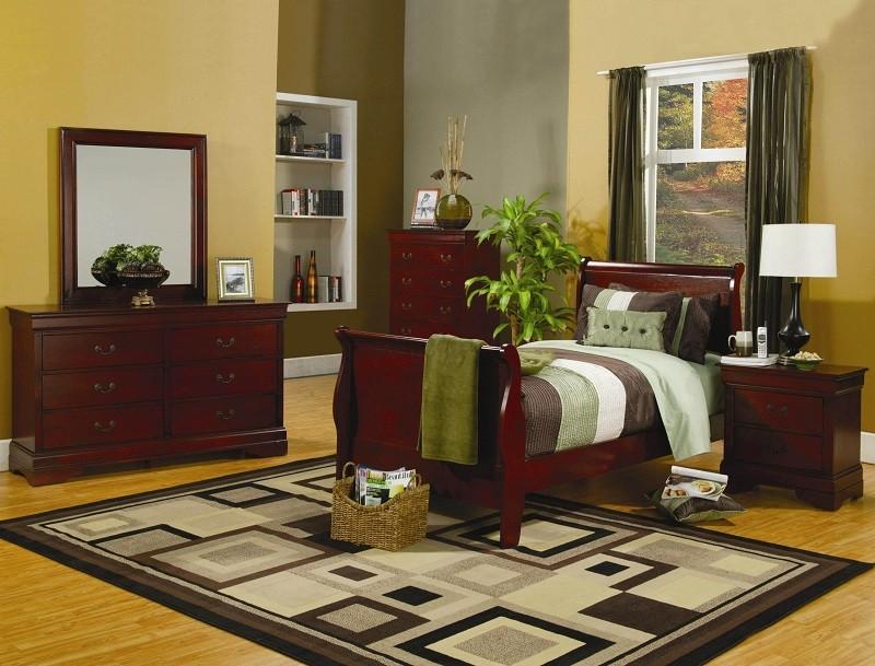 Louis Philippe Cherry 4-Piece Bedroom Set